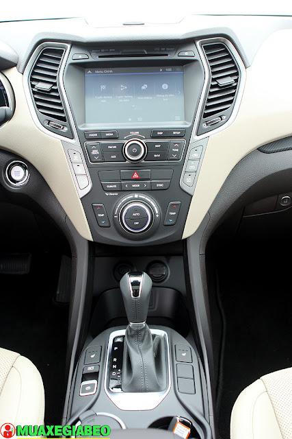 Giới thiệu Hyundai SantaFe 2.2L máy dầu phiên bản tiêu chuẩn 2WD ảnh 11