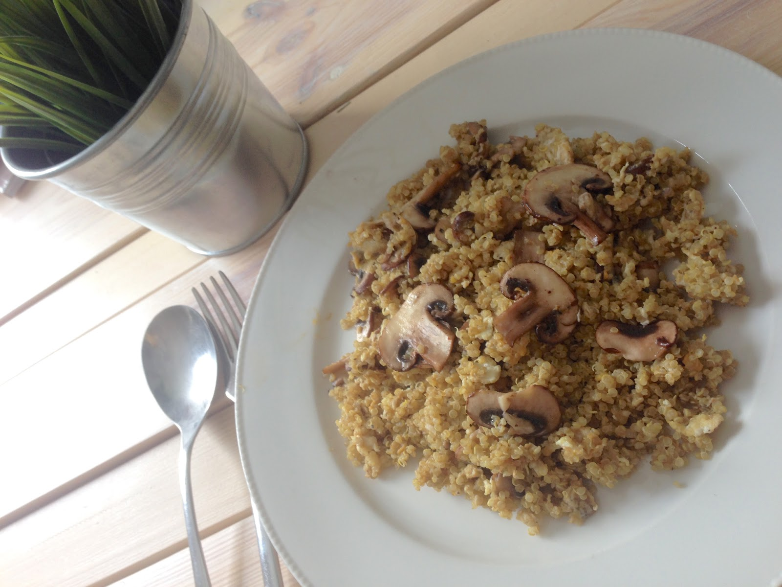 TheBlondeLion food Quinoa Mushroom Egg Garlic Superfood Protein http://theblondelion.blogspot.com/2015/03/food-mushroom-egg-quinoa-proteins.html