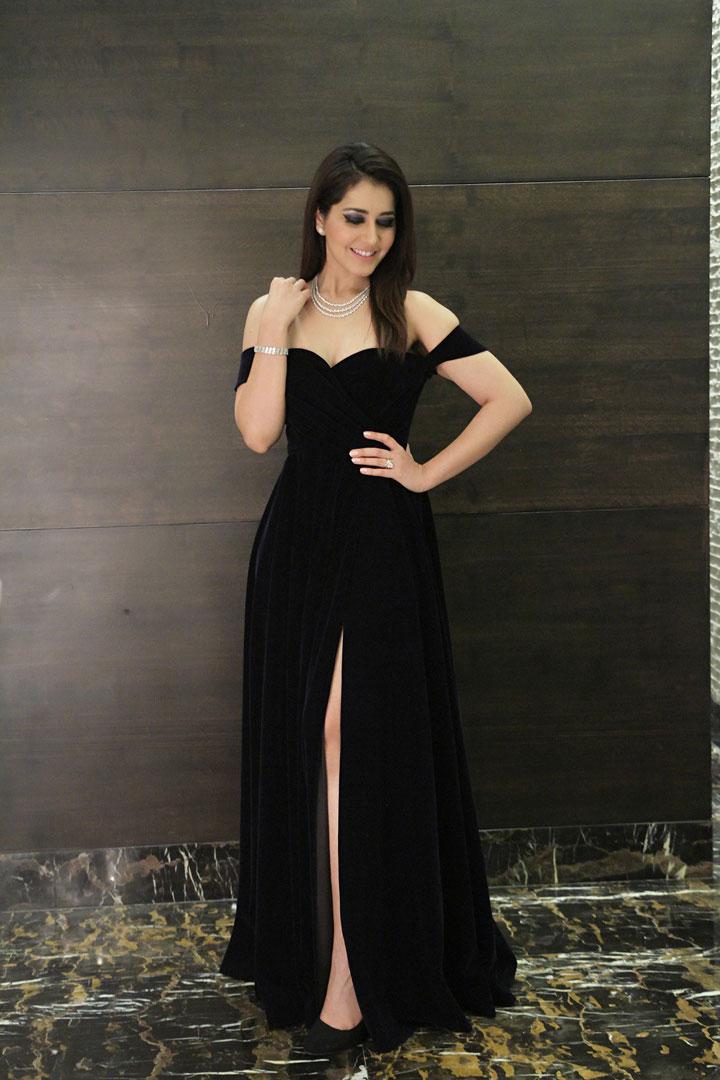 Actress Raashi Khanna at Jai Lava Kusa Audio Launch Photos