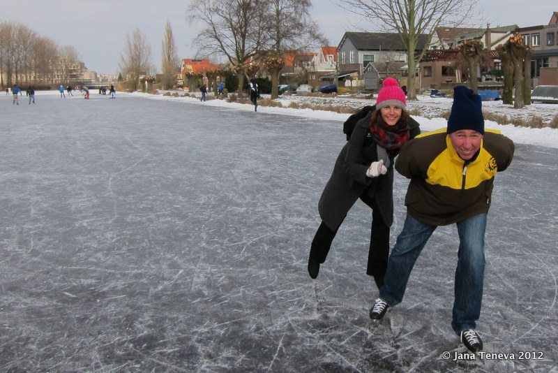 999dd36ce36 When the negative temperatures stay long enough for the canals to freeze,  the Dutch (and all other ice-skating lovers) start counting the days and  the ice ...
