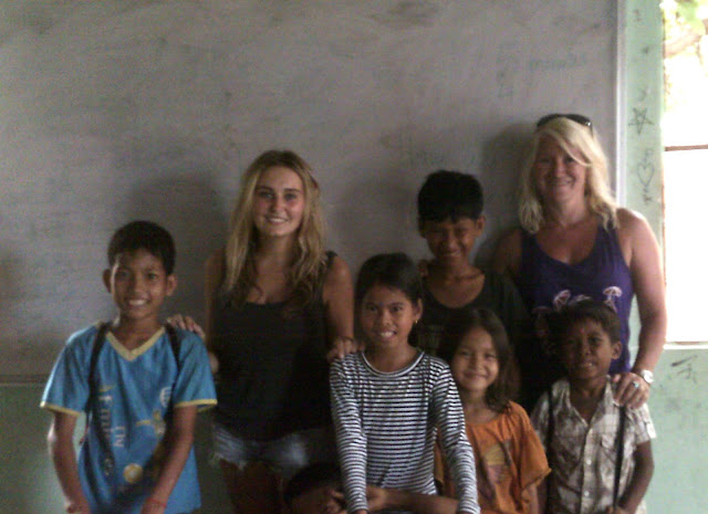 Voluntourism group in Cambodia