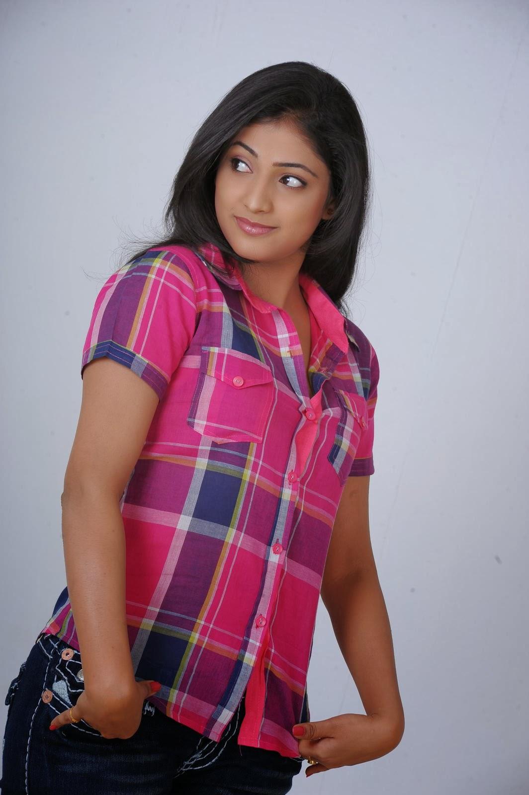 ethnic beauty Haripriya latest photoshoot gallery
