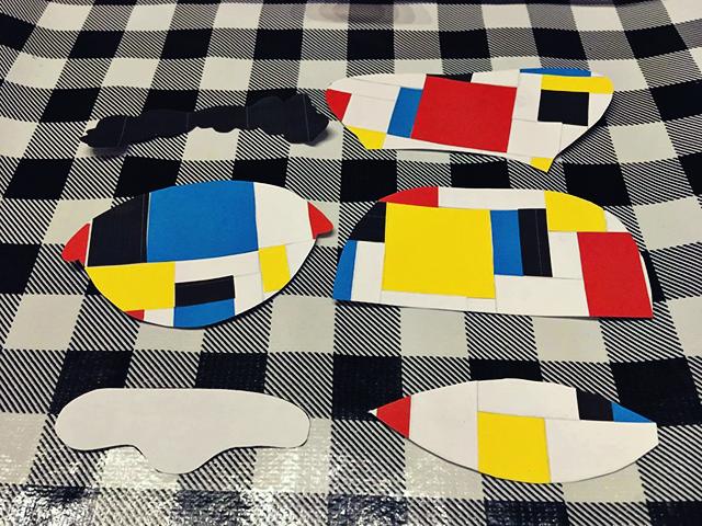 sinterklaasknutsel Piet Mondriaan uitgeknipt