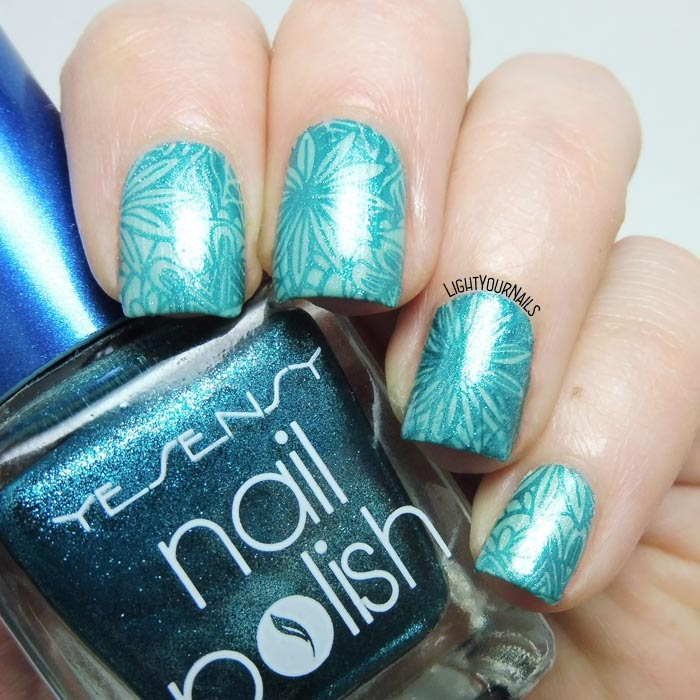 Blue flowers stamping nail art feat. #beautybigbang #nailart #nailstamping #lightyournails