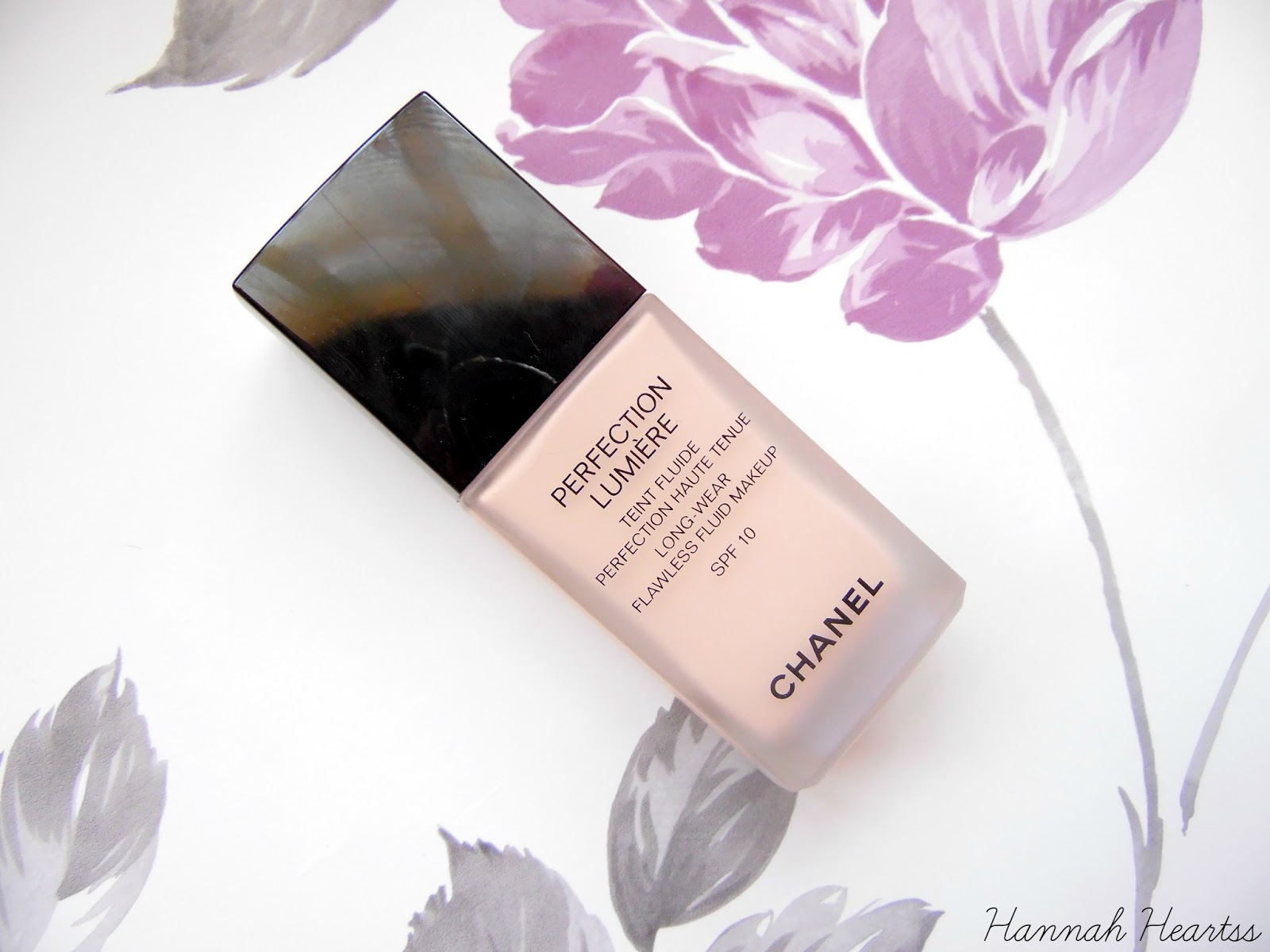 Chanel Perfection Lumière Long-Wear Flawless Fluid