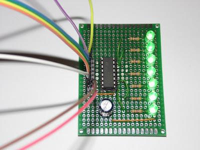 Fig. 1 - Modulo con 7 LED per Arduino UNO R3 di Paolo Luongo