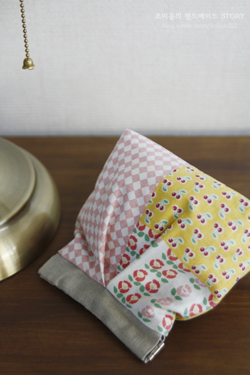 How to Sew Fabric Gift Bags - Free Photo Tutorial.