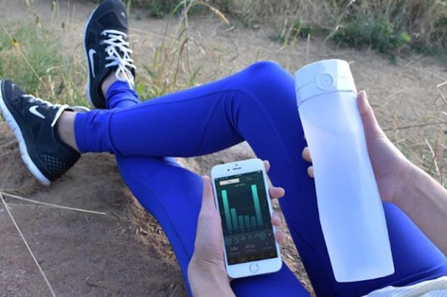 زجاجة ذكية لتناول كمية أكبر من المياه