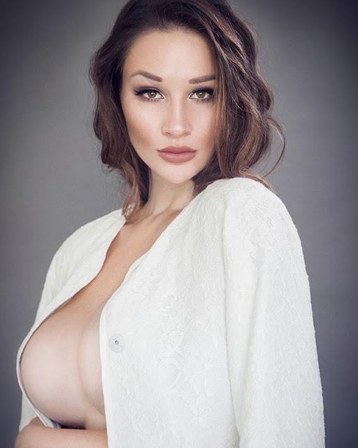 Alina Lewis lingerie
