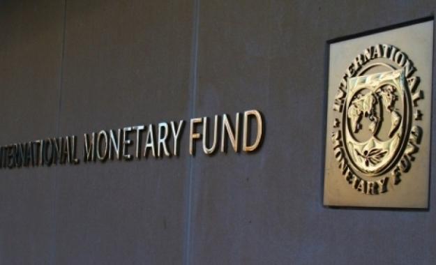 Μη βιώσιμο το χρέος σε όλα τα σενάρια του ΔΝΤ