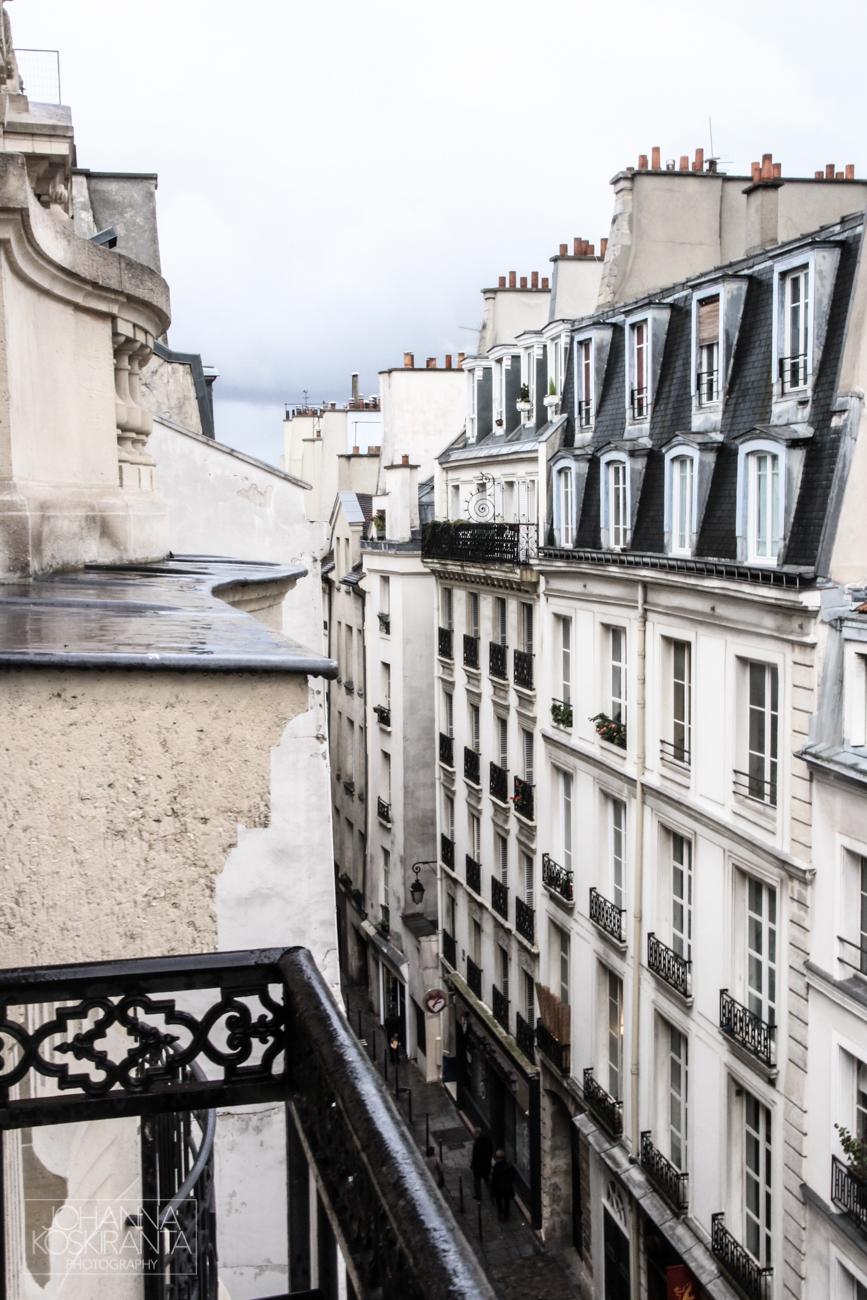Suuntana Pariisi