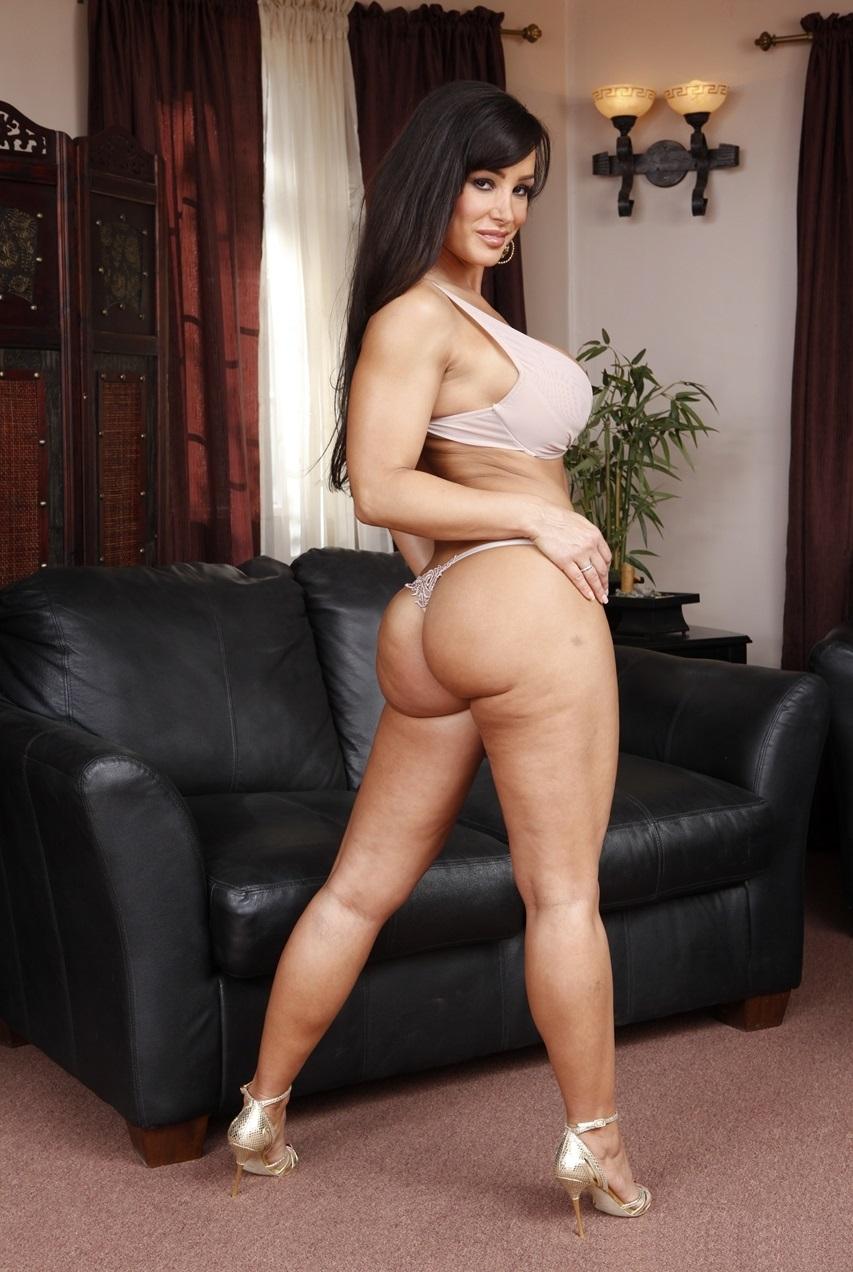 scarlett johansson nude a good woman