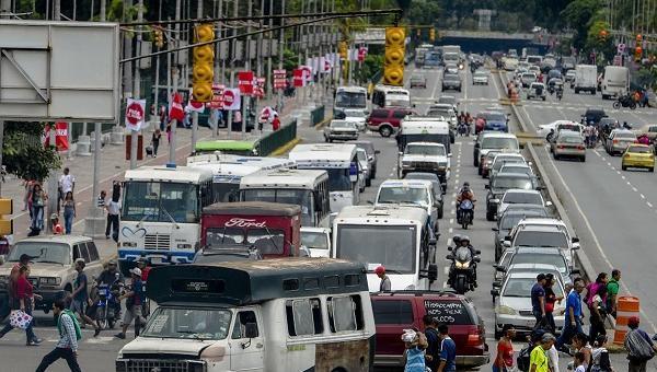 """Transportistas del oeste de Caracas se sumarán al """"PARO"""""""