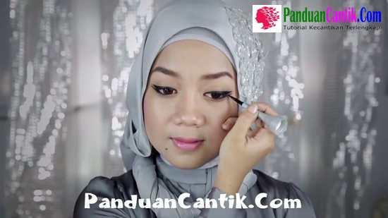 Video Panduan Cara Memakai Eyeliner Wardah Liquid Pen Untuk Pemula By Hanna Anindhita Blogger Cantik