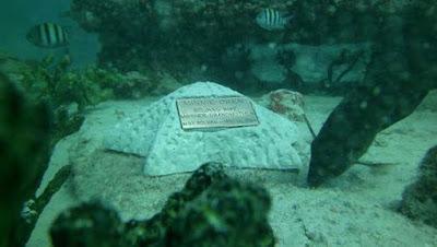 Satu satunya Pemakaman Di Bawah Laut