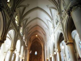 Interior da Catedral de San Isidro, Buenos Aires, Argentina