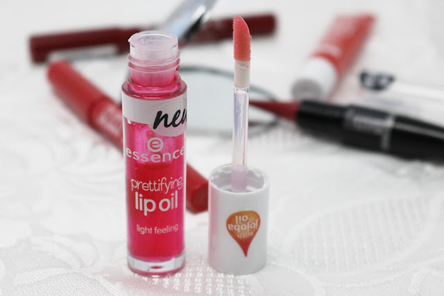 Essence, prettifying lip oil e Beauty Blam Lipgloss