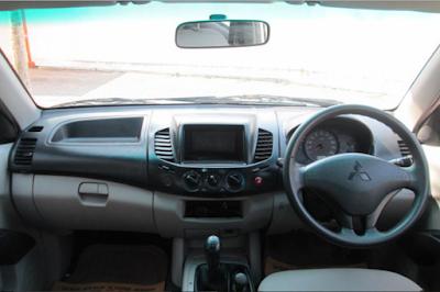 Interior Mitsubishi Strada Triton Prefacelift