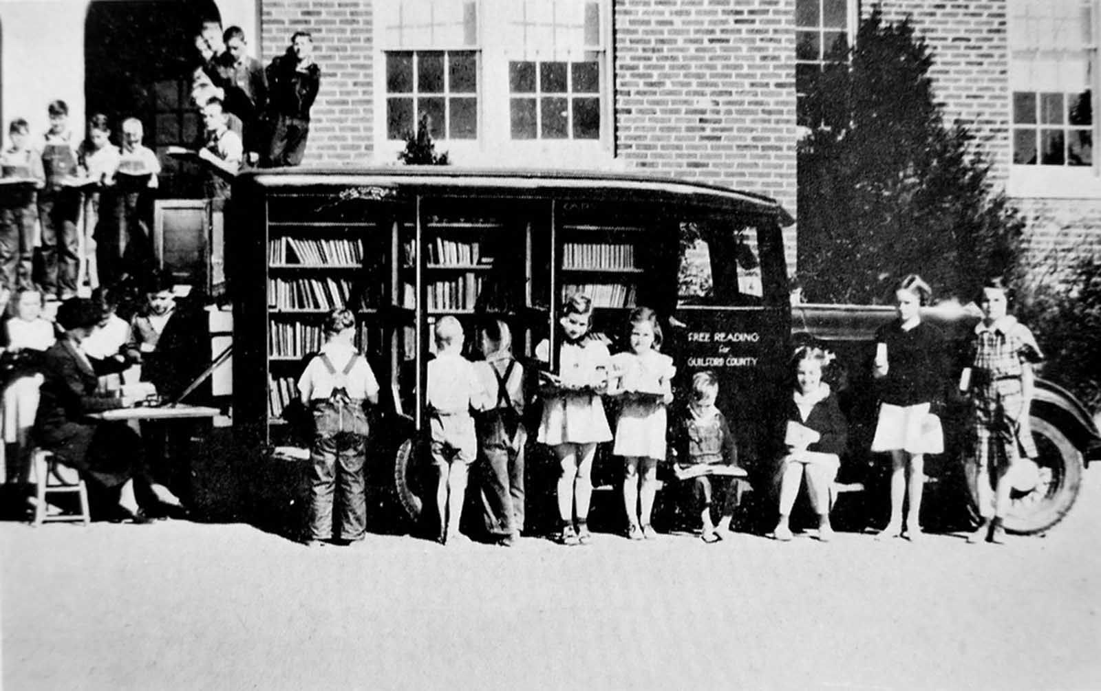 Bookmobile in Greensboro, North Carolina, USA. 170.770 volumes were circulated in 1936.