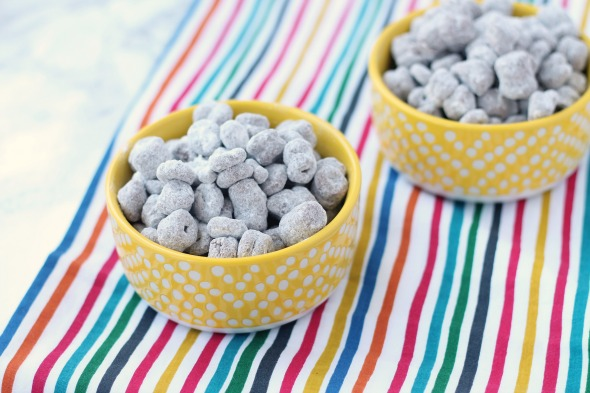 Cheerio Puppy Chow - no chex, no problem! Use cheerios to make this classic treat.