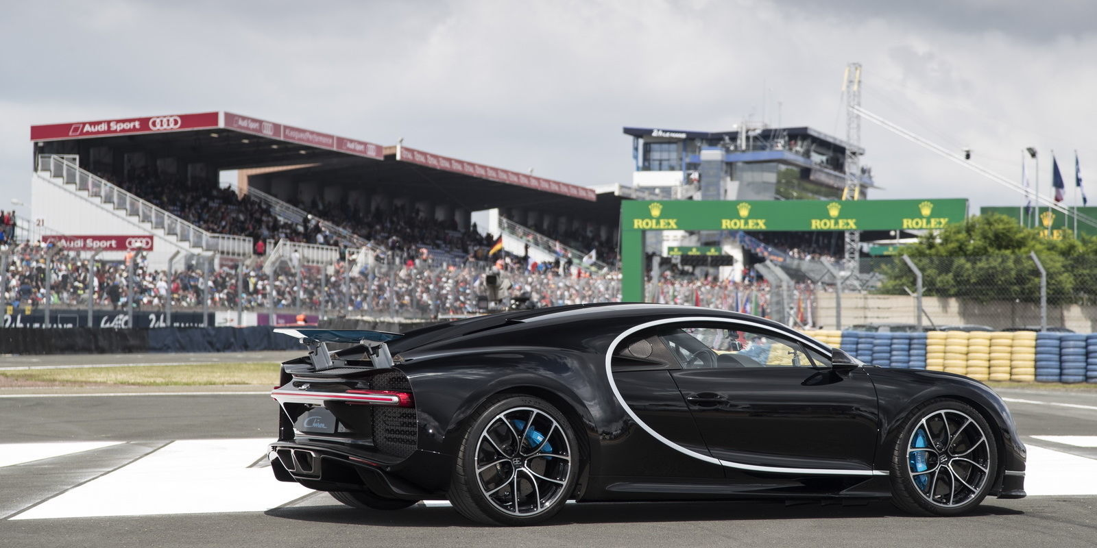 Bugatti Chiron đang là ngôi sao sáng nhất tại 24 Hours of Le Mans năm nay