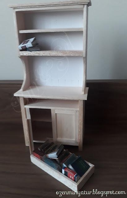 Minyatür Kitaplık