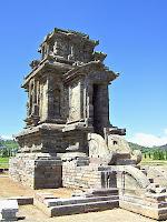 Sejarah Candi Dieng Wonosobo - Candi Puntadewa