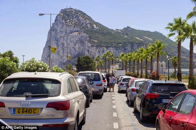 10 Amazing Border between Countries | The border between UK and Spain, at Gibraltar