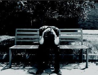 Những hình ảnh avatar buồn tâm trạng của các chàng trai, cô gái