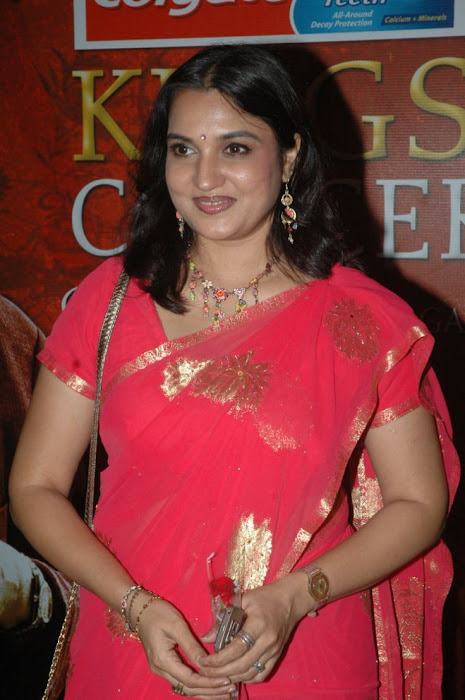 sukanya s in red saree actress pics