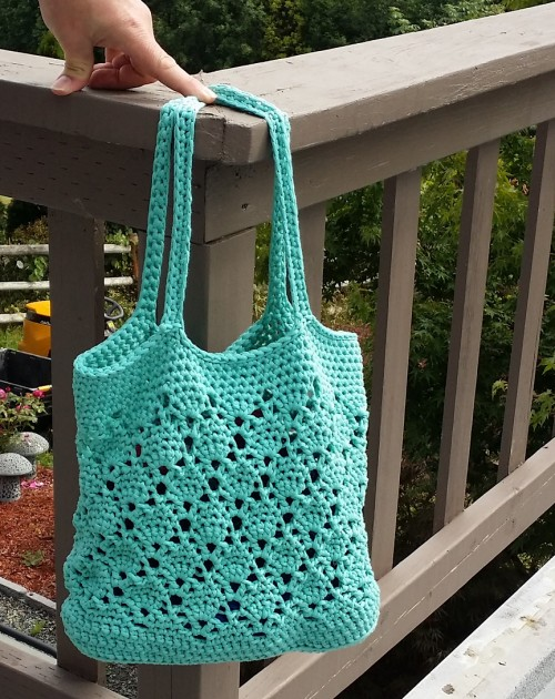 Daisy Fields Beach Bag - Free Pattern