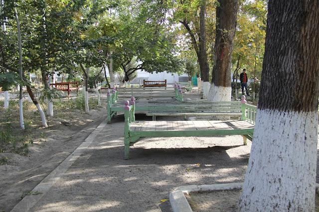 Ouzbékistan, Andijan, chaïkhana, Parc Navoï, tapchane, tapshan, © L. Gigout, 2012