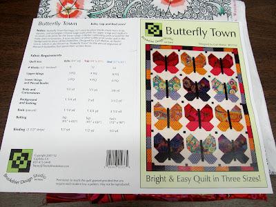 https://3.bp.blogspot.com/-nuJdnWV6ds8/V5rLt18TyKI/AAAAAAAAeew/UDsajLU6qOkHaKVfYJ1shY-SpuacS-o3QCLcB/s400/butterfly%2Bquilt%2Bpattern.jpg