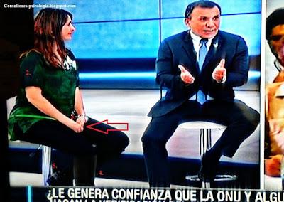 La senadora Paloma Valencia (Centro democrático )y Senador Roy Barrera (partido de la U), debatiendo.