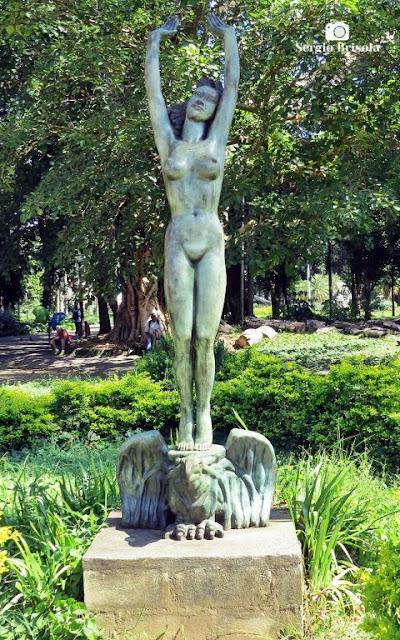 Vista da Escultura A Procura da Luz - Parque Jardim da Luz - Luz - São Paulo