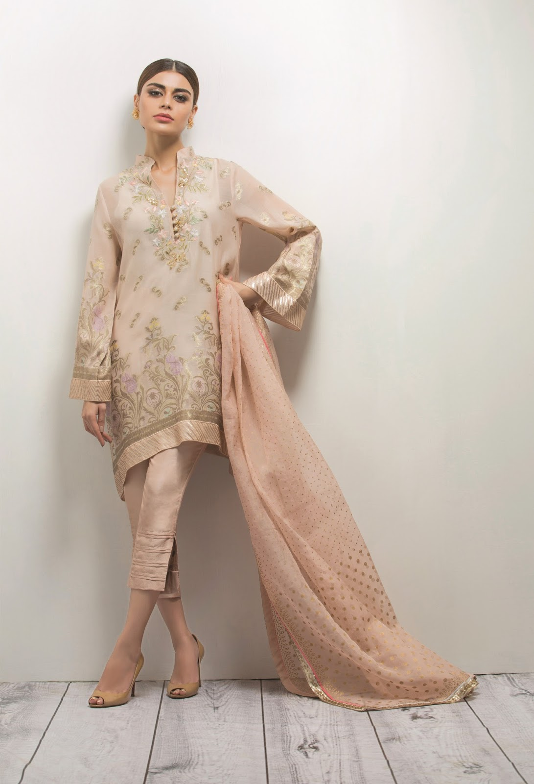 Pakistani actress model Sadaf Kanwal