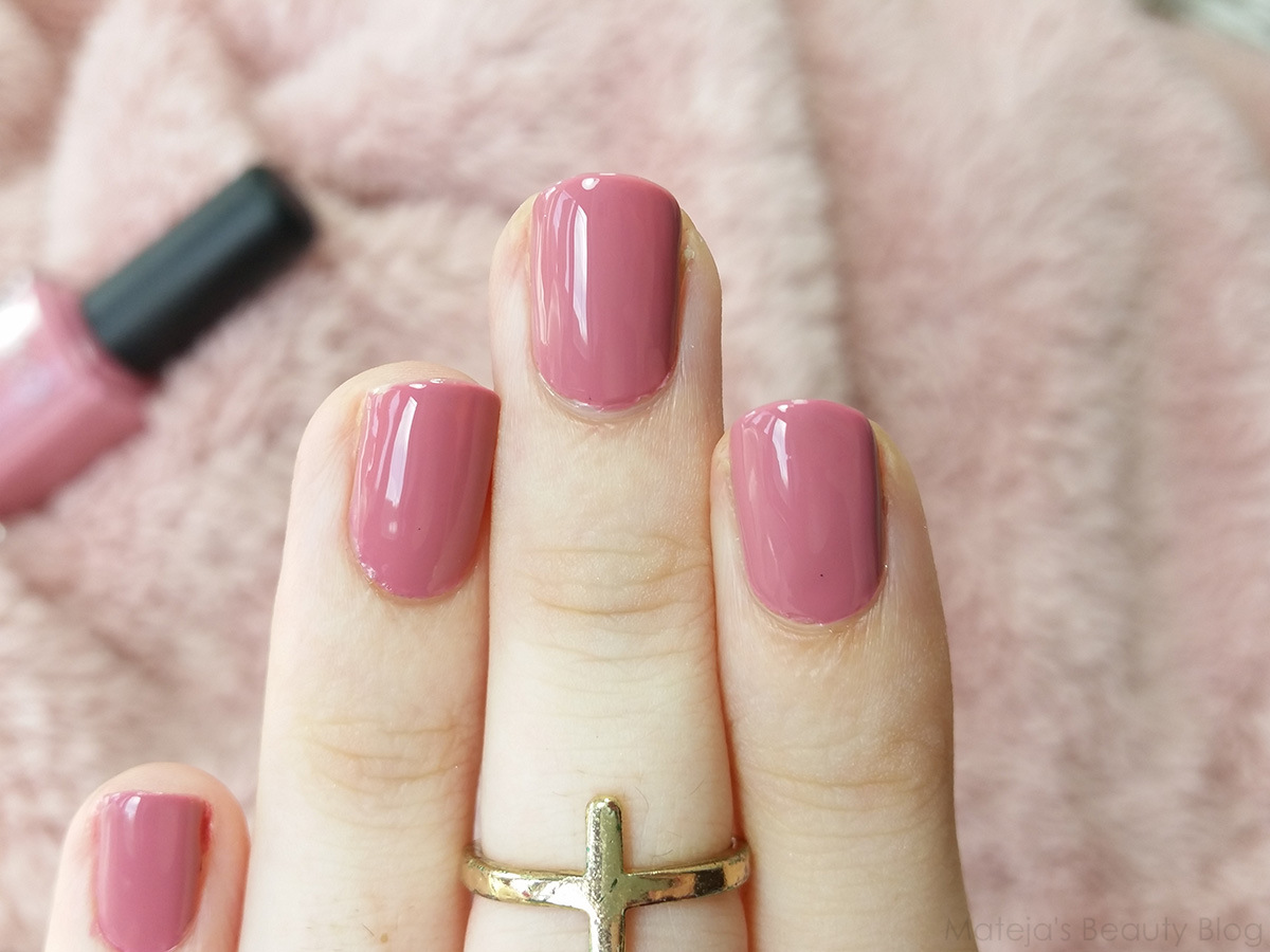 375 Bois De Rose Is A Warm Muted Medium Pink It S An Interesting Colour But Not What I Was Looking For When On My Nails