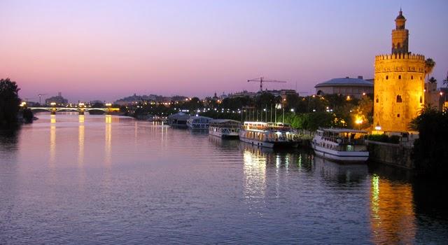 La Torre del Oro y el Río Guadalquivir