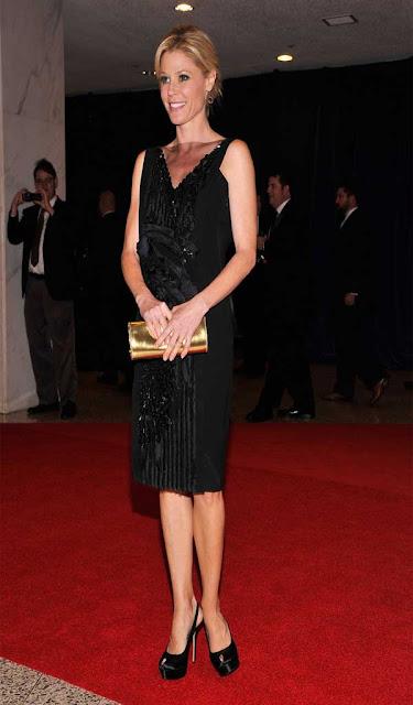 Julie Bowen Dangling Gemstone Earrings Celebrities Style