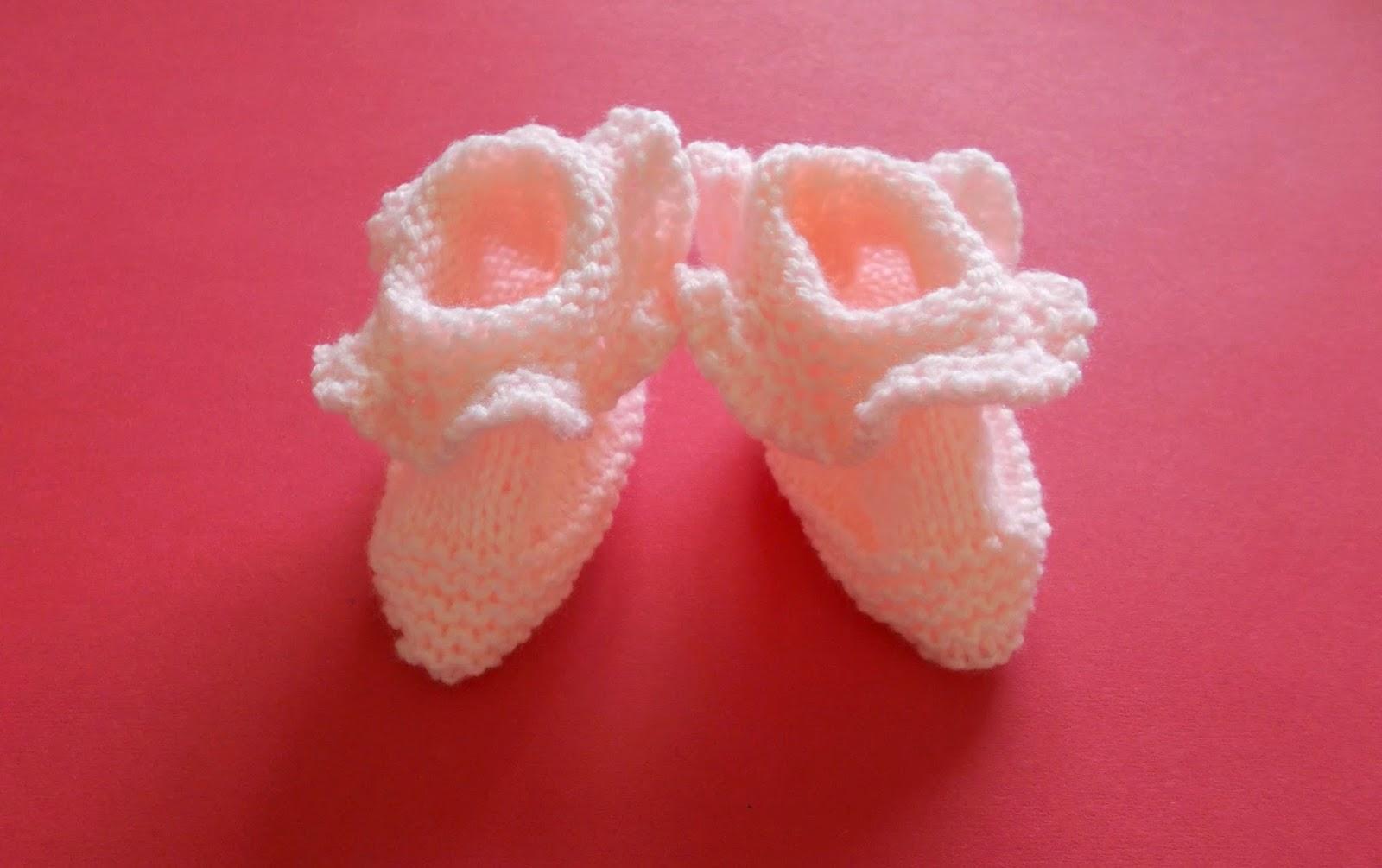 Marianna\'s Lazy Daisy Days: Ruffled Rosie Baby Booties