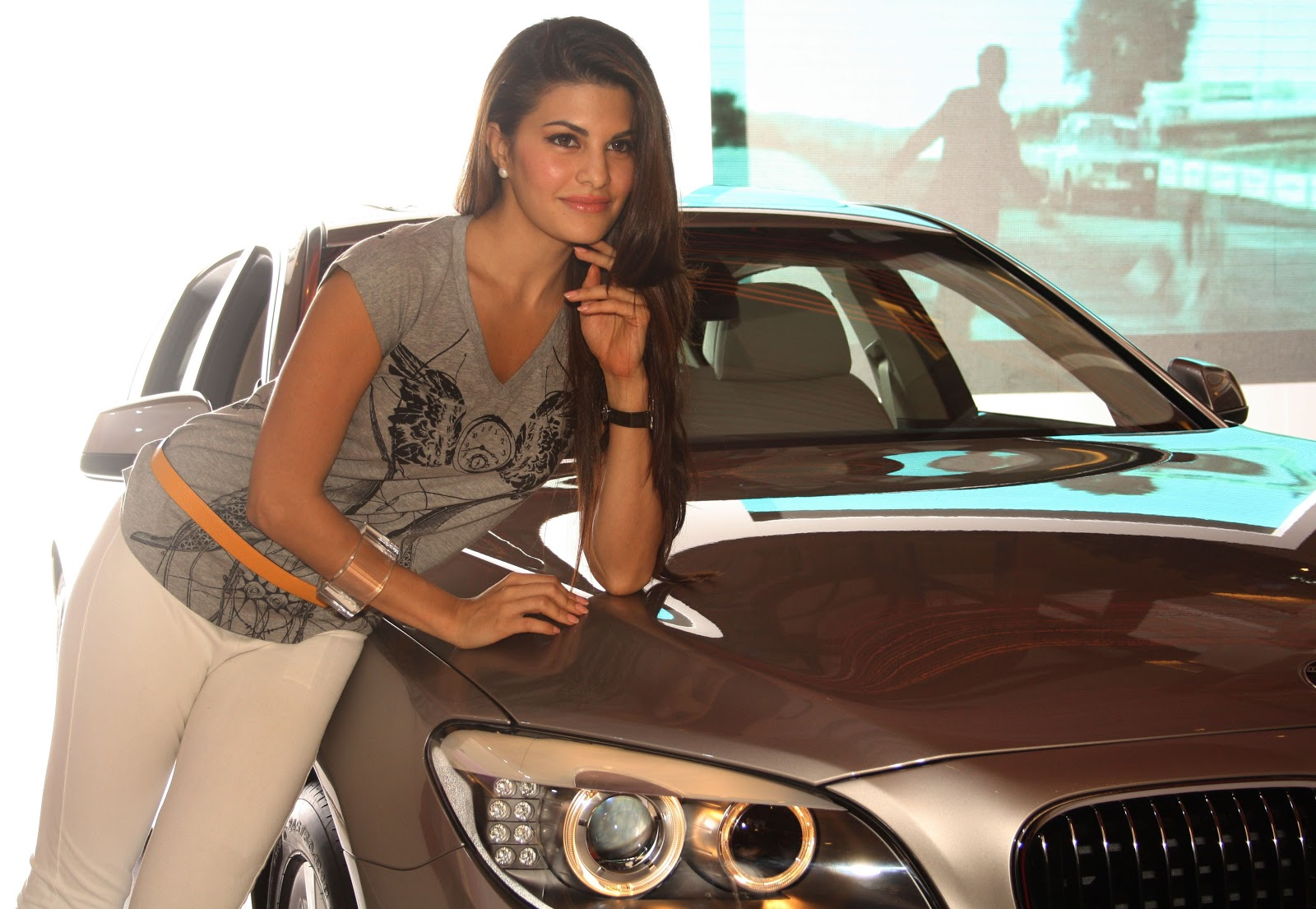 Jacqueline Fernandez Wallpaper  Bollywood Actresses -9996