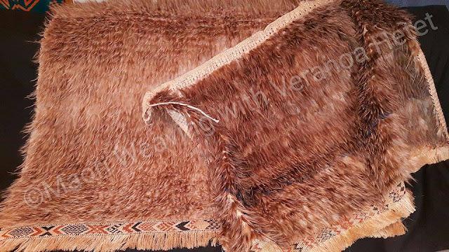 tkanina z puchu z pior i trawy