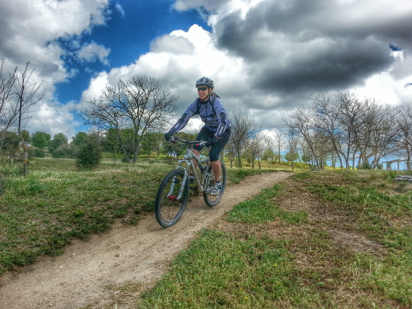 Mejores Bicicletas De Montaña Para Mujer 【2021