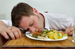 Kenapa Kita Selalu Mengantuk Sesudah Makan? Ini Alasannya