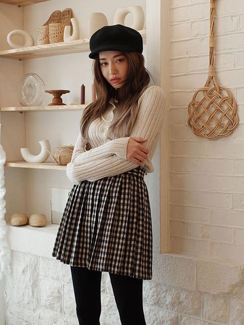 Knife Pleat Check Print Skirt