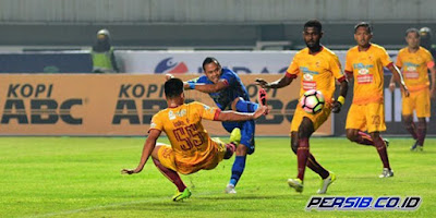 Review Persib vs Sriwijaya FC: GBLA Mulai Bertuah, Djanur Mulai Berubah