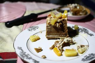 Cut graham cake