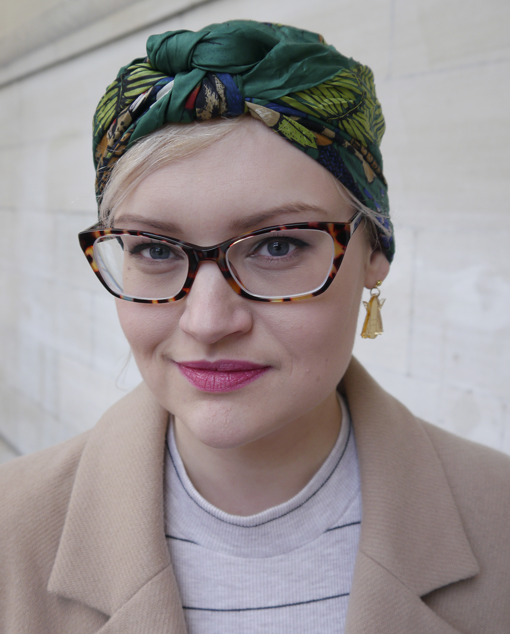 vintage fair, Lou Lou's Vintage fair, vintage shopping, Dundee, Scottish vintage fair, vintage event, vintage scarf, turban, jungle print scarf, Iolla glasses, Sugar and Vice Bee earrings, Scottish Blogger
