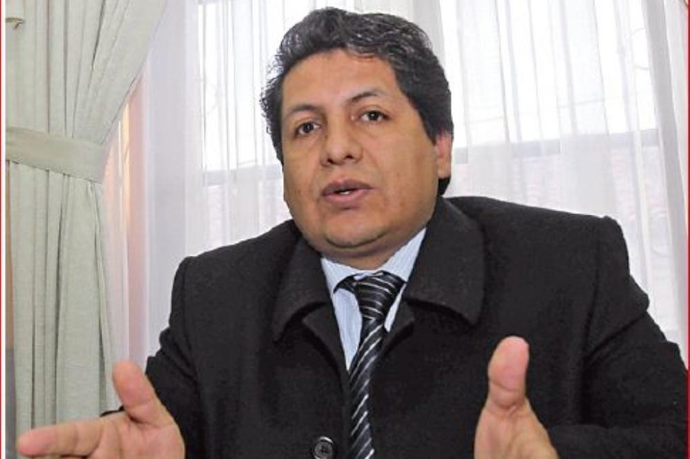 Ruddy Flroes pasó de magistrado a director jurídico en Cancillería / ARCHIVO WEB