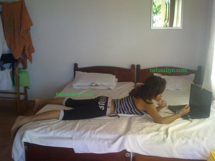 Menaka Maduwanthi nude - Sri lankan travel hotels